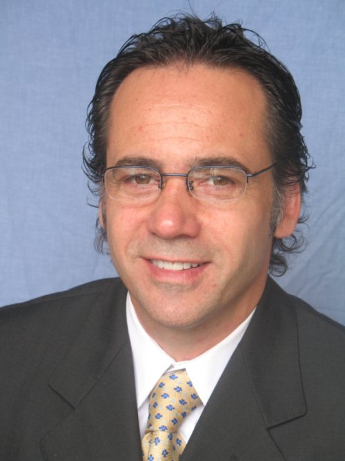 Dr Alejandro Anton