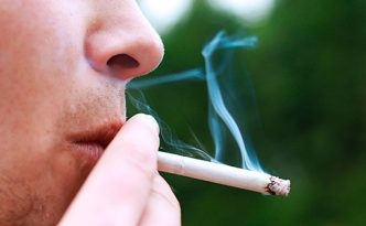 Fumar cigarrillo afecta a los implantes dentales